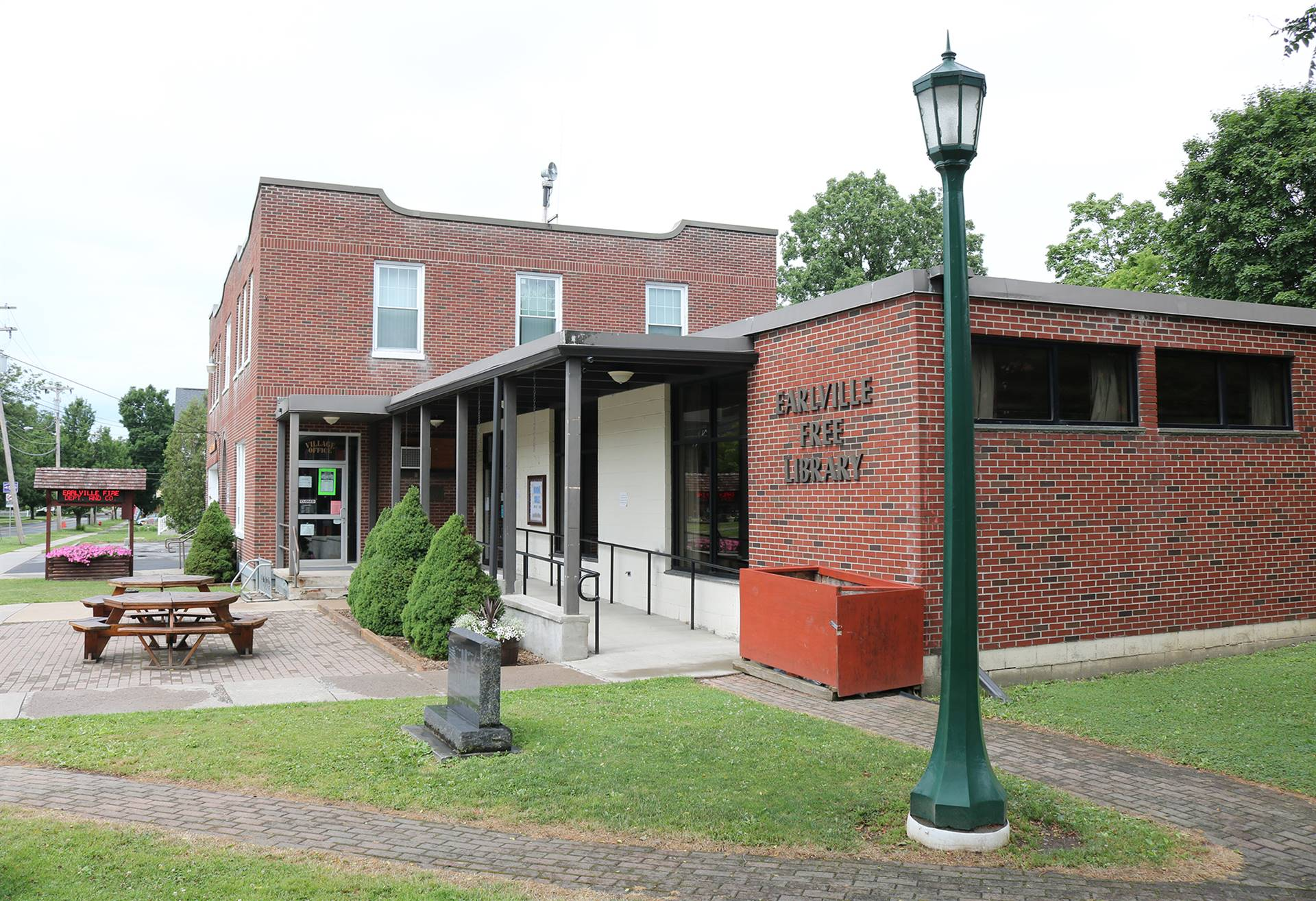 Earlville Free Library